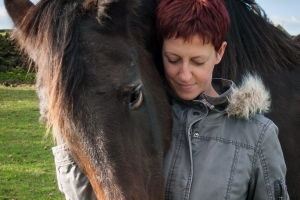 portrait photographer, portrait photography derby, Pet portrait of a horse and its owner: Echo and Kat